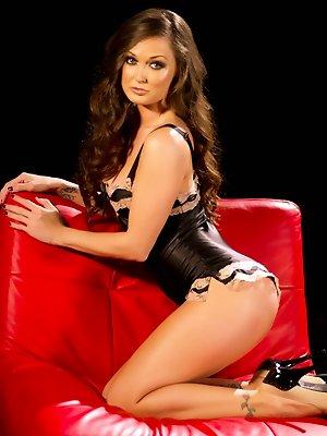 Brunette Melissa Jacobs favorite...